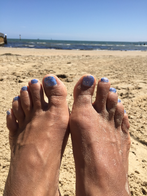 IP - Toes at Beach